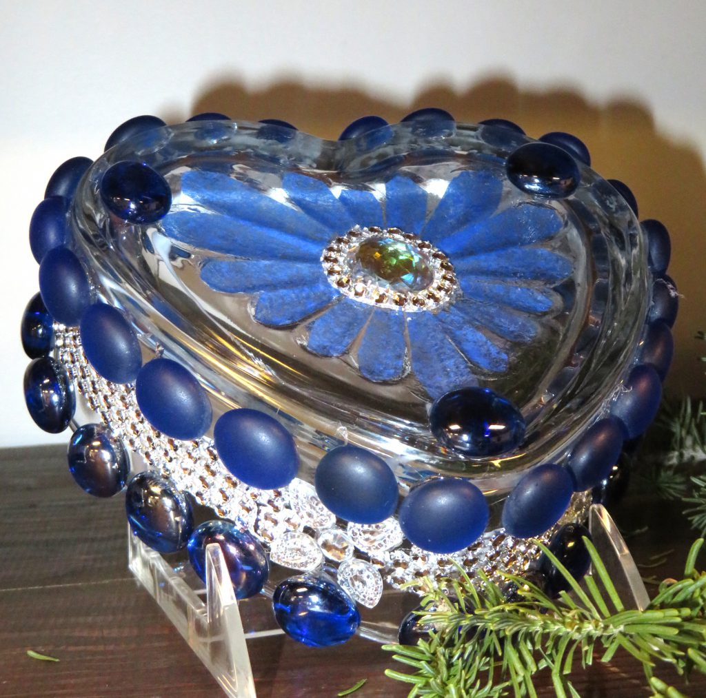 Johnson Desidre Blue Crystal Heart